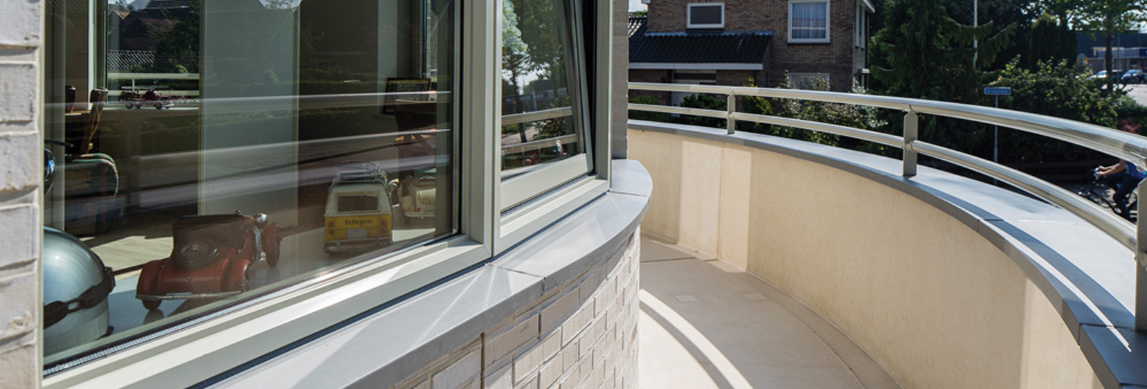 Custom-made wall <br> covering elements and window profiles